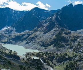 Вид на озеро Куйгук с обзорной вершины.