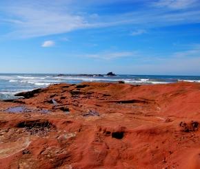 Красные скалы Лезгиры. Фото: наш турист Григорий Чернов