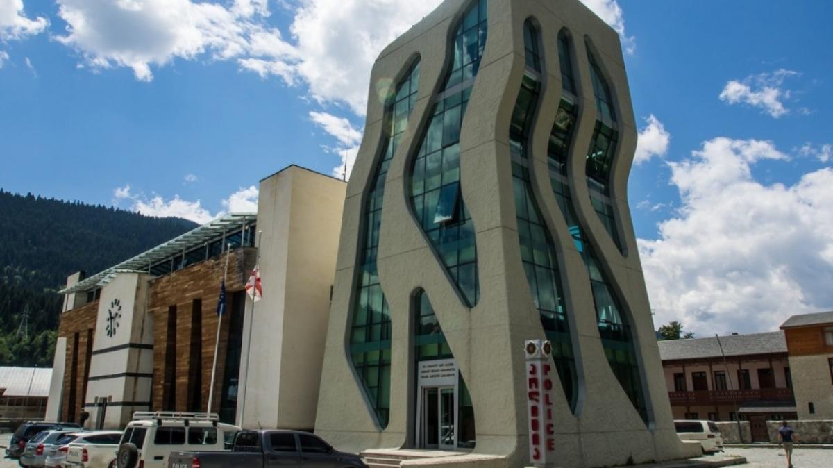 Другие башни Местии :) Фото нашего гида Ирины Пряничниковой.