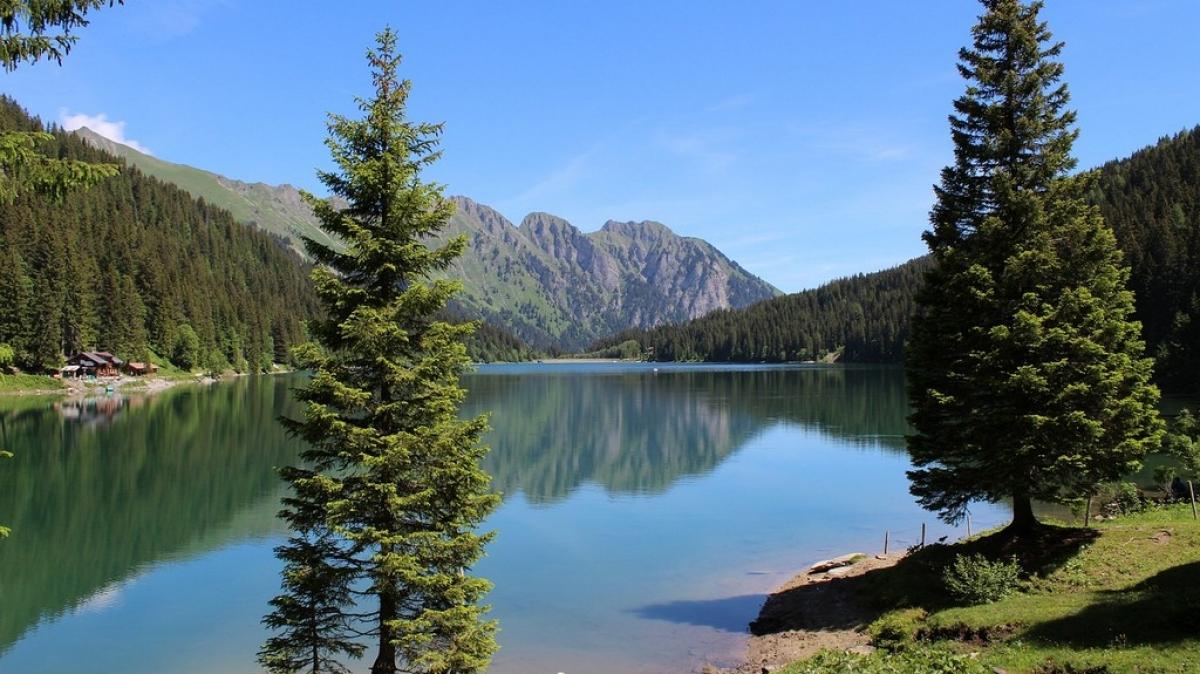 Озеро Брайес. Автор:ClaudiaGagnolato. Источник: pixabay.com