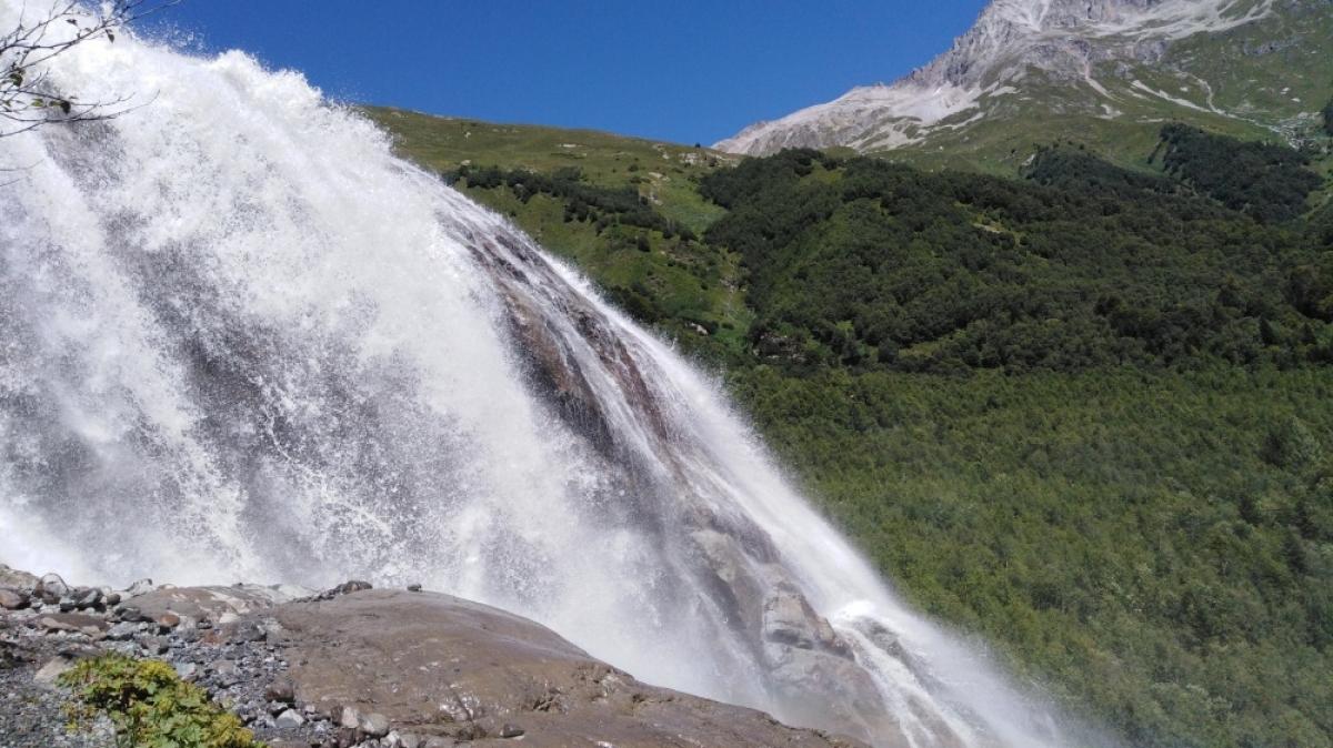 Алибекский водопад. Фото нашего гида Галины Жигулиной
