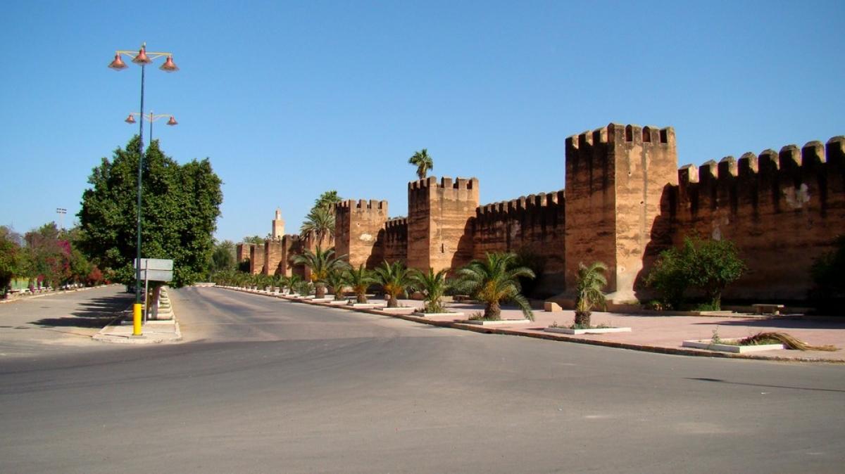 Стена старого города.