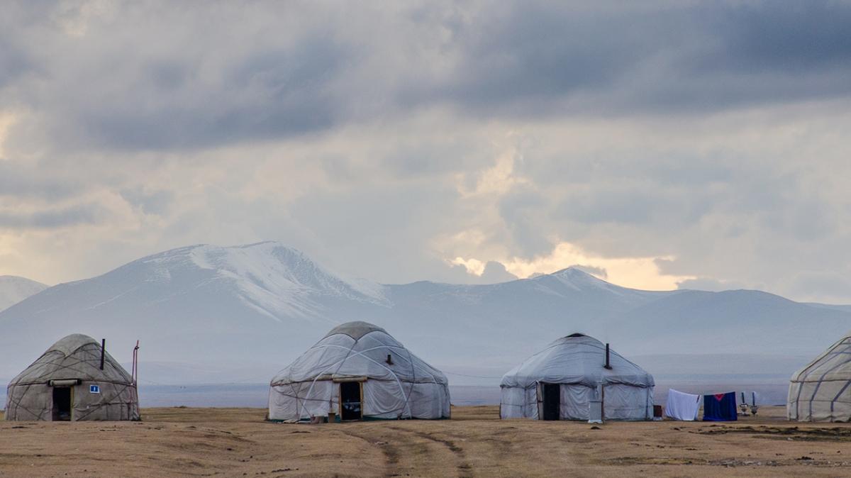 Юрточный лагерь. Река Кокомерен. Фото: Анатолий Жидков