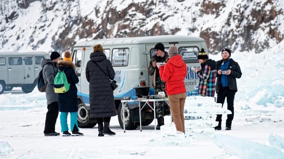 Пикник на льду! Фото нашего туриста Александра Кочкина