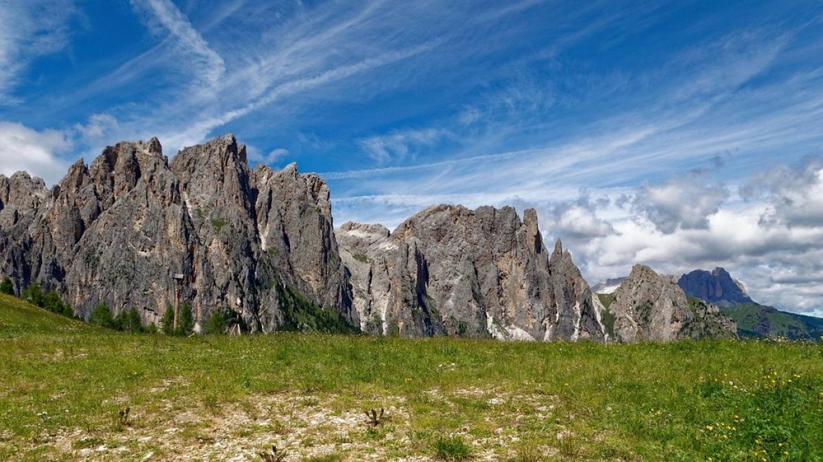Луг и горы. Автор: giampaolo555. Источник: pixabay.com