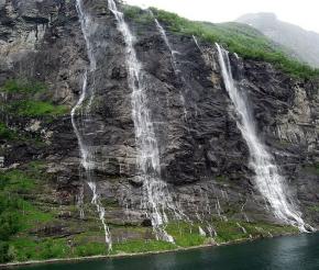 Знаменитые водопады Гейрангер-фьорда