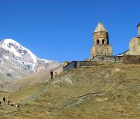 Казбек и храм Цминда Самеба