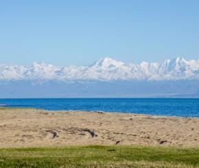 Озеро Иссык-Куль. Фото: Жидков Анатолий