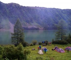 Лагерь на берегу