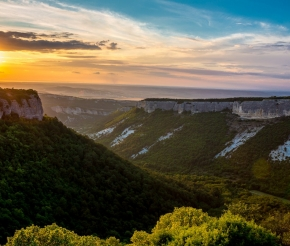 Вид долины с Мангупа