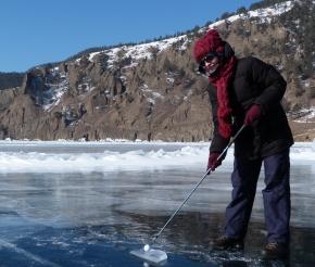 А вы играли в гольф на льду?