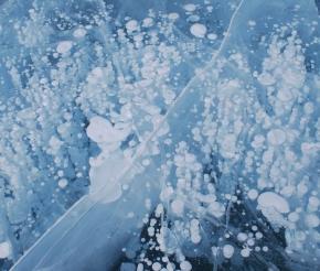 Пузырьки газа, поднимающиеся со дна