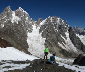 Ушба и ледопад Чалакат