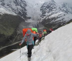 Перевал Чхуднер в июне