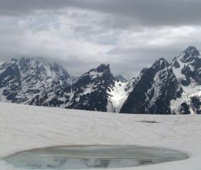 Озеро Корульди в июне