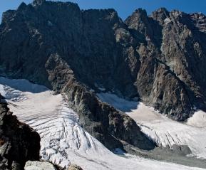 Снежники. На подъеме на перевал.