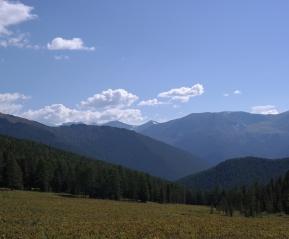 Необычные краски гор