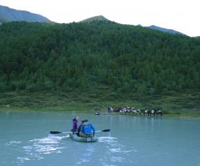 Переправа через озеро Ак-Кем. Небольшая лодочная прогулка с видом на Белуху