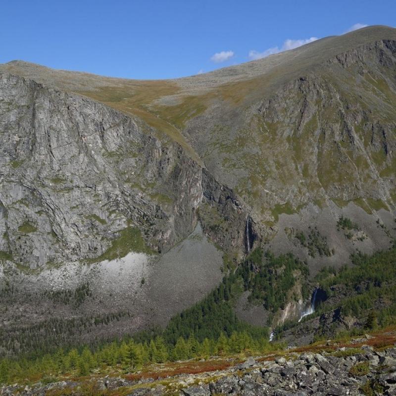 Вид на водопады Текелю и Девичьи слезы