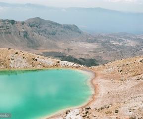 Термальные озера на Тонгариро-треке.