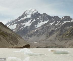 Ледниковое озеро, гора Кука.