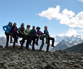Высота 3200 м. Туристки клабу Странник