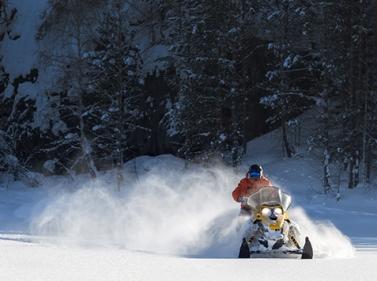 Карельские приключения: хаски и снегоходы